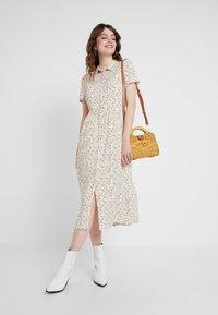 Envii - ENMOORE DRESS - Skjortekjole - beige/multi-coloured - 1