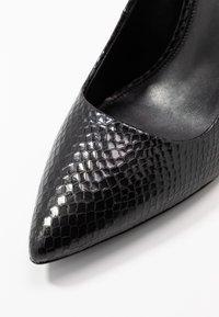MICHAEL Michael Kors - DOROTHY FLEX  - Lodičky na vysokém podpatku - black - 2