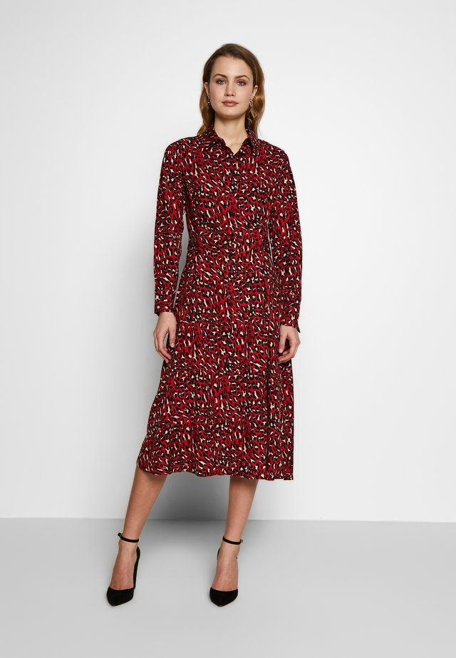 ANIMAL PRINT DRESS - Kjole - maroon