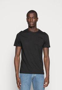 Pier One - 3 PACK - T-shirt basique - black/grey/green - 3