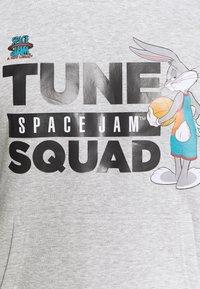 Outerstuff - SPACE JAM 2 HOOD LOCKER HOODIE - Felpa - grey - 5