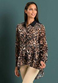 Alba Moda - Button-down blouse - marineblau beige - 4