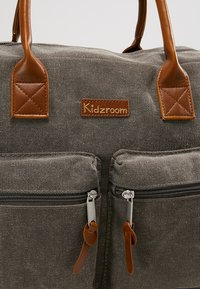 Kidzroom - VISION OF LOVE DIAPERBAG - Baby changing bag - grey