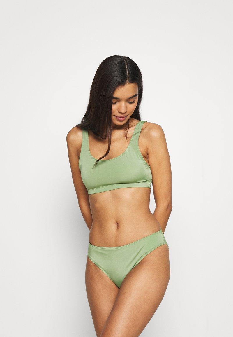 Monki - NILLA TOP MARNI BRIEF - Bikini - green