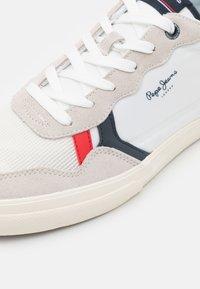 Pepe Jeans - KENTON BRITT MAN - Sneakers - white - 5