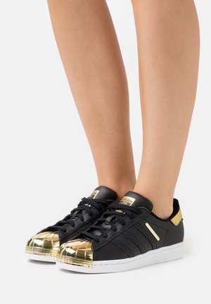 SUPERSTAR  - Sneakers laag - core black/footwear white/gold metallic