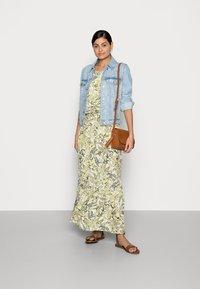 TOM TAILOR - DRESS AMERICAN NECKLINE - Maxi dress - green - 1