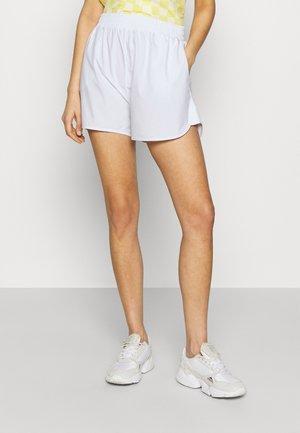 SMOCKED WAIST SPORTY - Shorts - white
