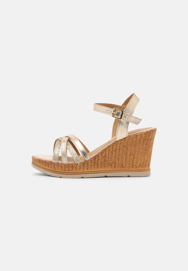 Sandales à plateforme - light gold