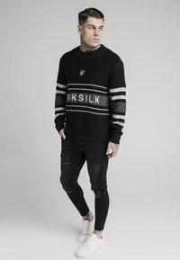 SIKSILK - Pullover - black - 1