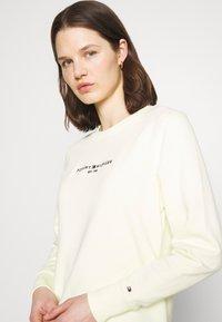 Tommy Hilfiger - REGULAR - Sweatshirt - frosted lemon - 3