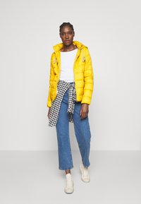 Springfield - ACOLCHADA LIGHT WEIGHT - Winter jacket - yellows - 1