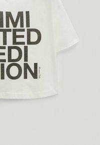 Massimo Dutti - LIMITED EDITION - T-shirt imprimé - white - 5