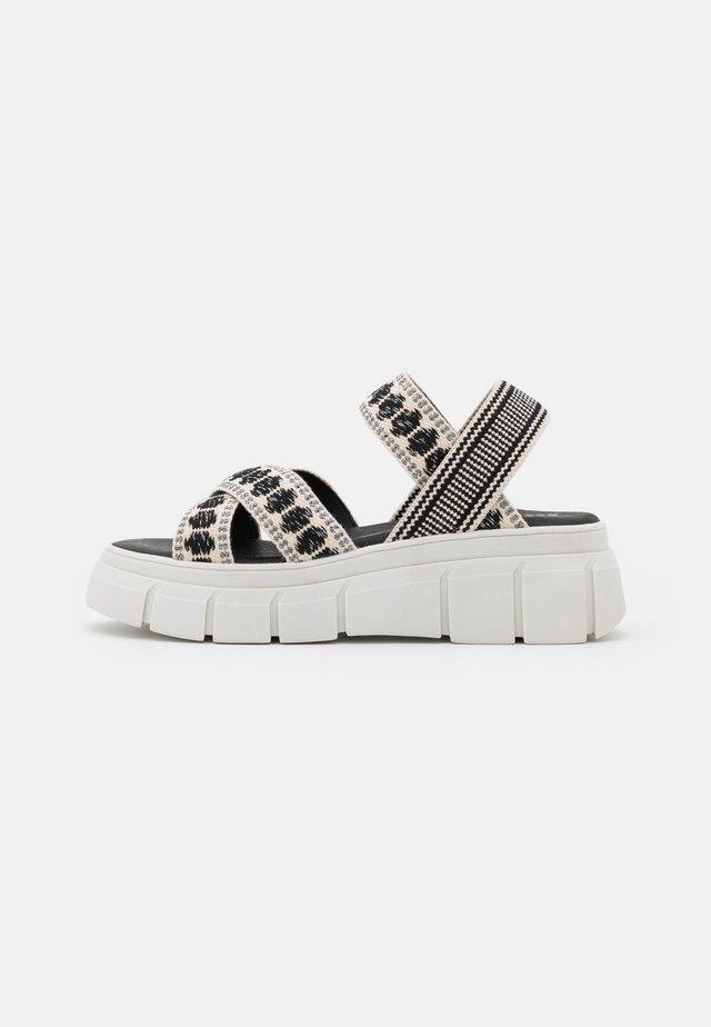 TRINITARIA  - Sandály na platformě - black