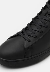 Clae - BRADLEY MID - Sneakersy wysokie - triple black - 5
