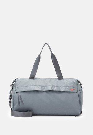 RADIATE CLUB 2.0 - Sports bag - particle grey/laser crimson