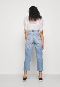Abrand Jeans - VENICE STRAIGHT - Straight leg jeans - destroyed denim - 2