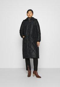 Liu Jo Jeans - IMBOTTITO OVATT LUNGO - Winter coat - nero - 0