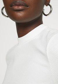 Selected Femme - SLFANNA CREW NECK TEE - T-shirt basique - snow white - 5