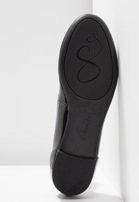 Clarks - COUTURE BLOOM - Ballet pumps - black - 6