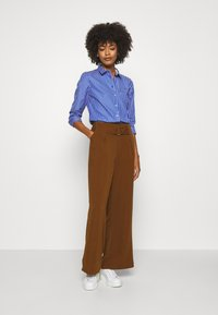 Tommy Hilfiger - SONYA - Button-down blouse - blue/white - 1