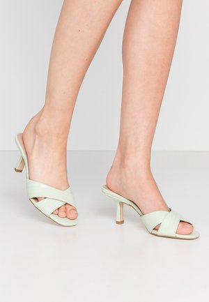 MONTANNA - Heeled mules - green