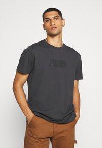 AllSaints - HIGHWAY CREW - Print T-shirt - washed black/jet black - 3