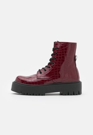 BILLY LACE UP BOOT - Platform ankle boots - burgundy