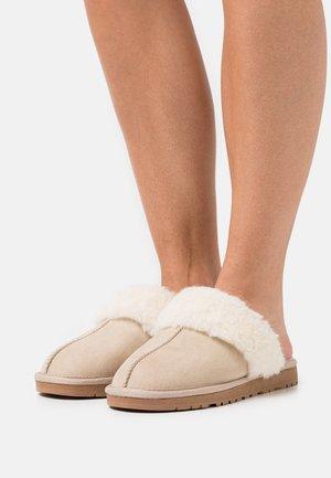 BIASWEETIE HOMESLIPPER - Slippers - beige