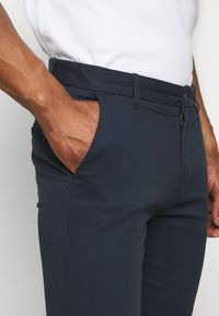 Burton Menswear London - Chinos - navy - 4