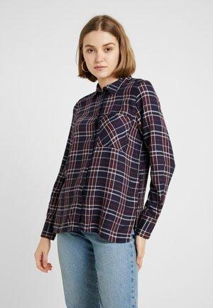 ONYNADIA CHECK - Button-down blouse - night sky/merlot
