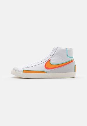 BLAZER MID '77 INFINITE - Vysoké tenisky - white/kumquat/aurora green/bright crimson/sail