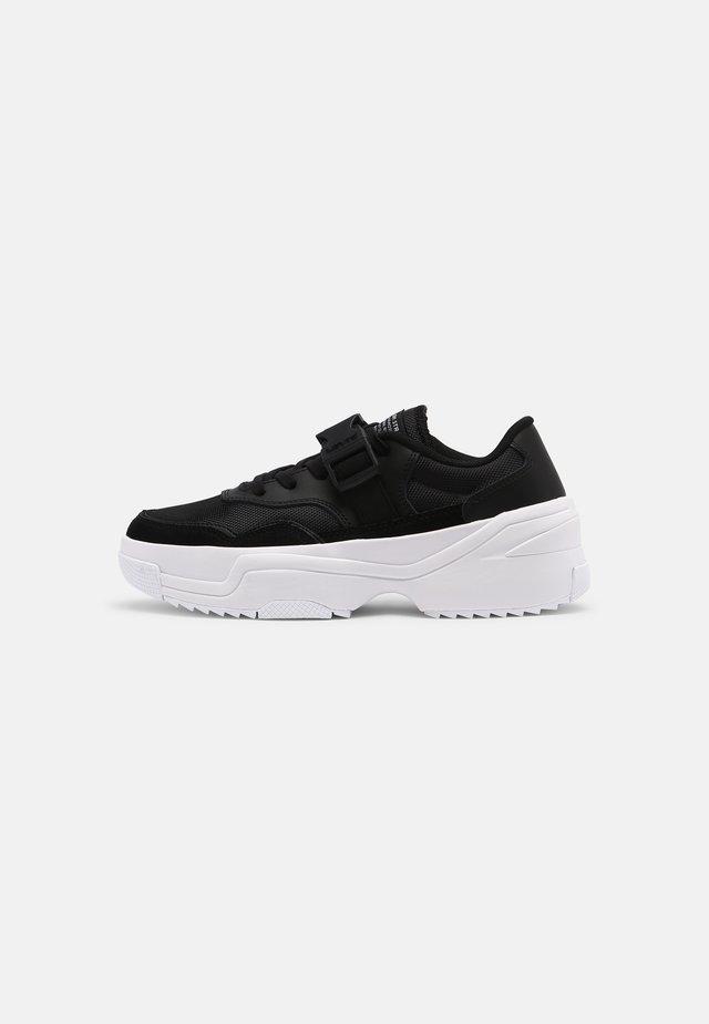 MERRIAMS - Sneakersy niskie - regular black