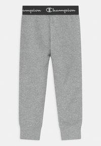 Champion - AMERICAN CLASSICS UNISEX - Teplákové kalhoty - mottled grey - 1