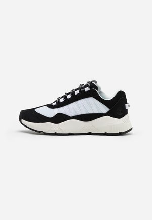 RIPCORD SNEAKER LOW - Matalavartiset tennarit - black/white