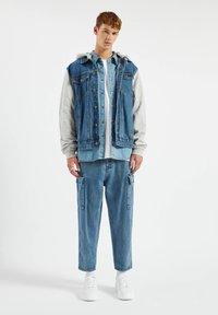 PULL&BEAR - Denim jacket - light-blue denim - 1