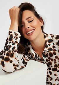 Guess - Button-down blouse - mehrfarbig, weiß - 3