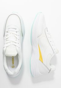 Mexx - EVI - Sneakersy niskie - white/yellow - 3