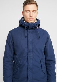 Produkt - PKTAKM PARKA TEDDY JACKET - Parka - dress blues - 5
