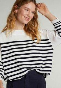 Oui - Sweatshirt - white blue - 3