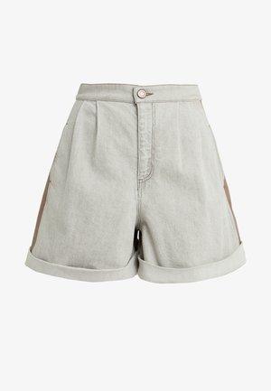 Shorts - cinder beige