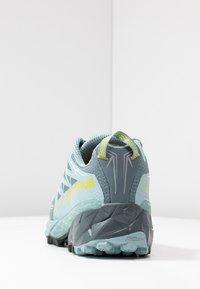 La Sportiva - AKYRA WOMAN GTX - Trail running shoes - slate/sulphur - 3