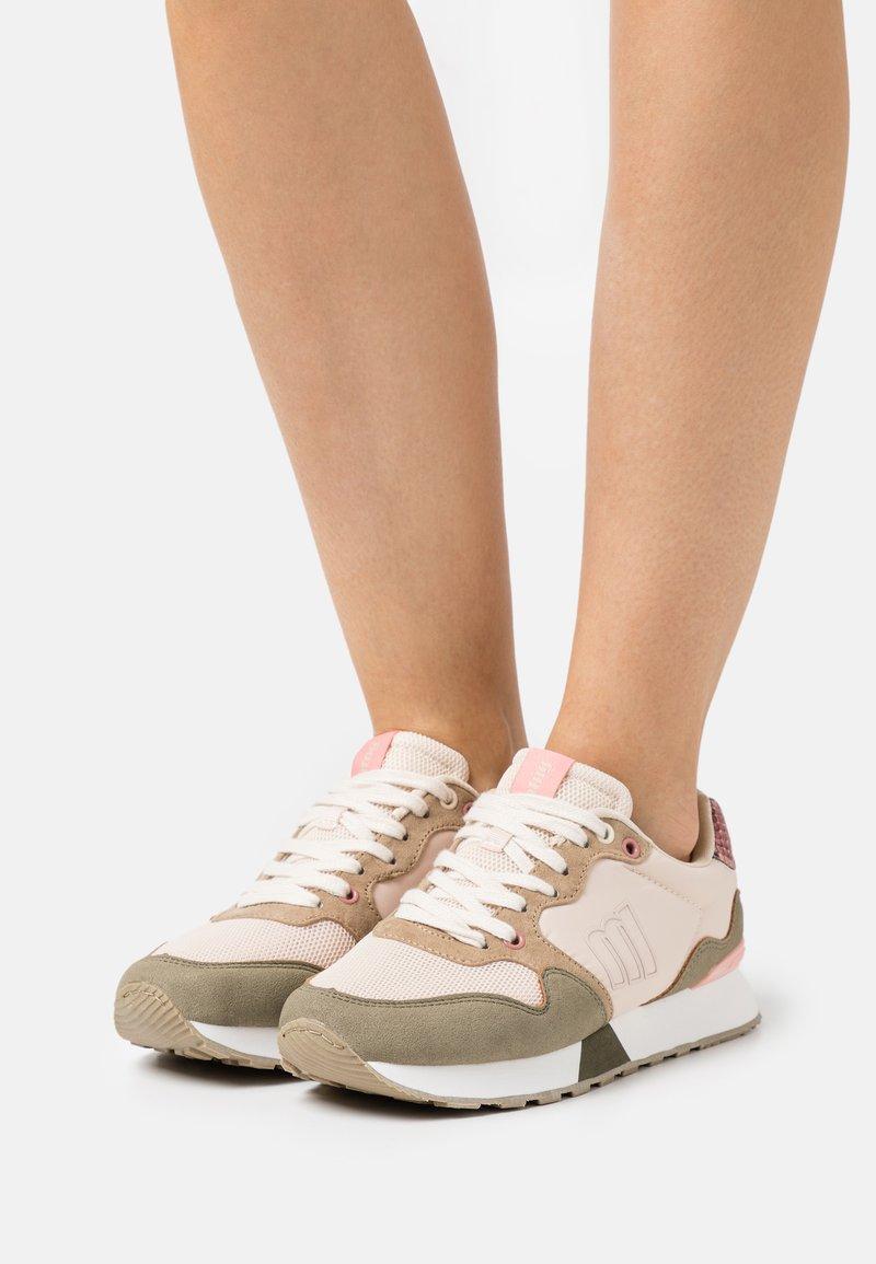 mtng - JOGGO - Sneakersy niskie - verde
