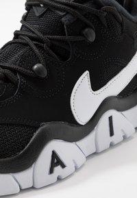 Nike Sportswear - AIR BARRAGE - High-top trainers - white/hyper blue - 2