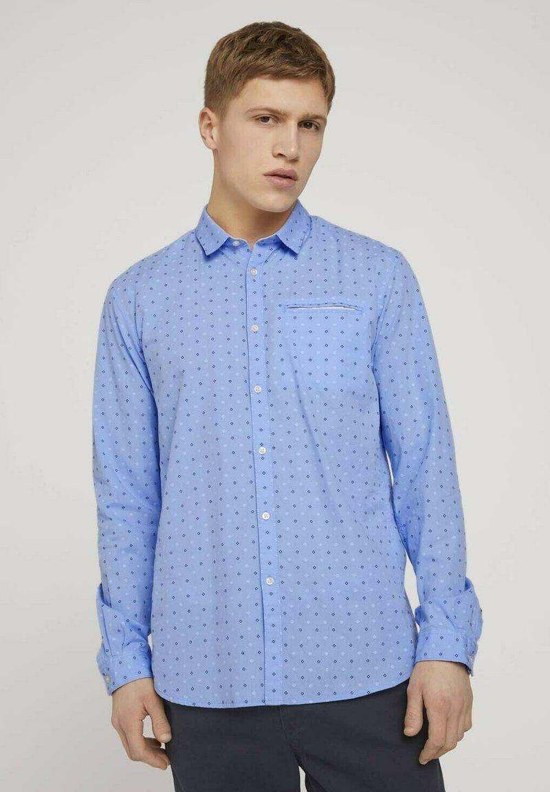 TOM TAILOR DENIM - GEMUSTERTES - Shirt - light blue dot clipper