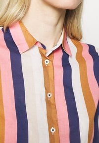 Emily van den Bergh - Button-down blouse - brown/rose/blue - 4
