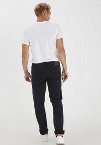 Solid - Jeansy Straight Leg - black - 2