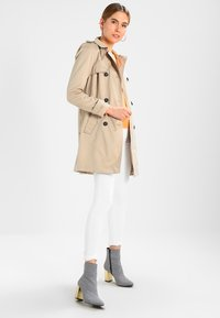 Vila - VITHREE LONG - Trenchcoat - soft camel - 2