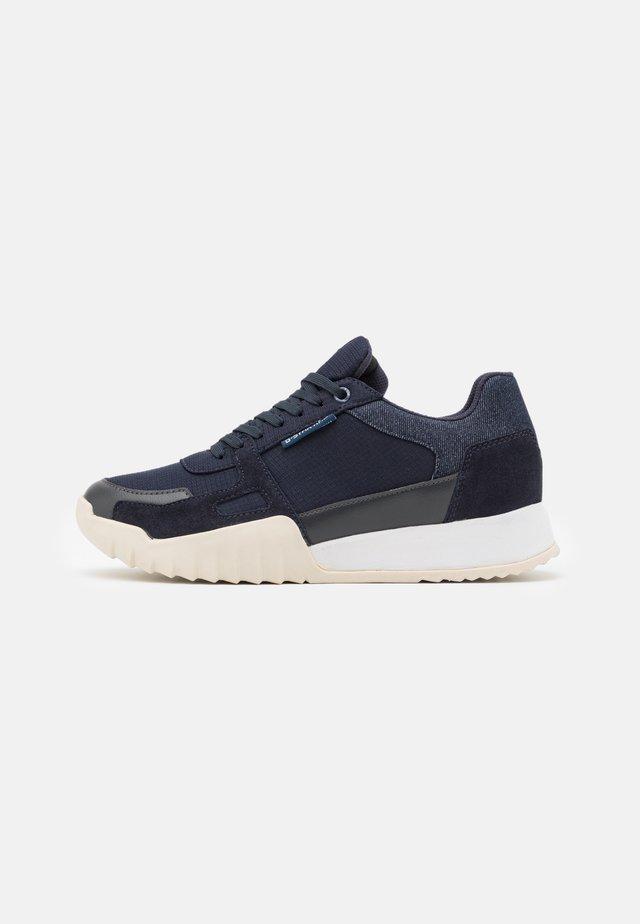 RACKAM REDUC - Sneakers basse - dark saru blue/rover