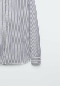 Massimo Dutti - GESTREIFTES SLIM FIT - Formal shirt - blue - 2